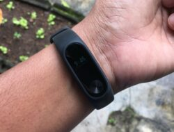 Review & Giveaway Xiaomi Mi Band 2 Indonesia